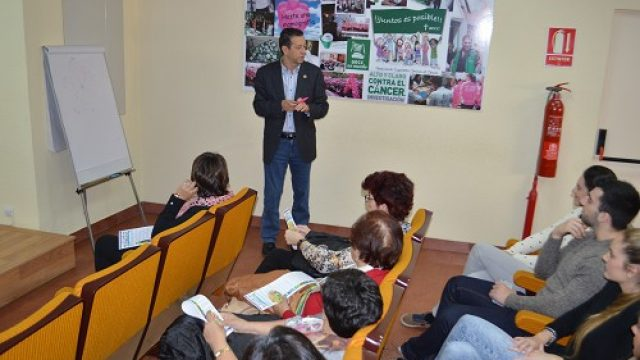 En colaboración con la Asociación española contra el cáncer (AECC), se inician actividades de promoción de la alimentación saludable